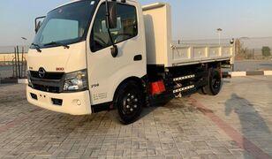 ανατρεπόμενο φορτηγό HINO 300