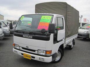 φορτηγό μουσαμάς NISSAN Atlas