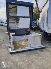 φορτηγό όχημα μεταφοράς ζώων RENAULT Premium