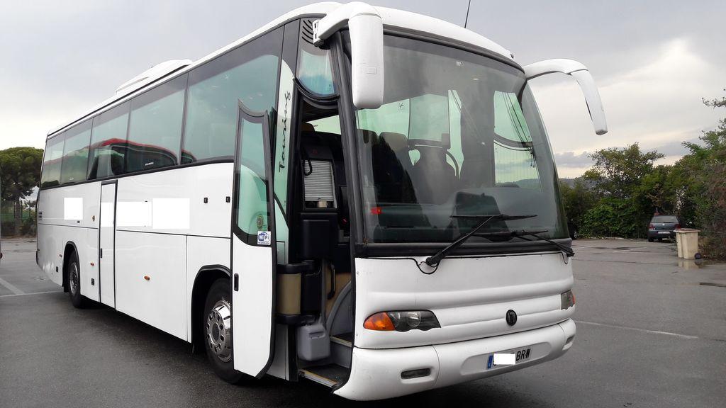 τουριστικό λεωφορείο